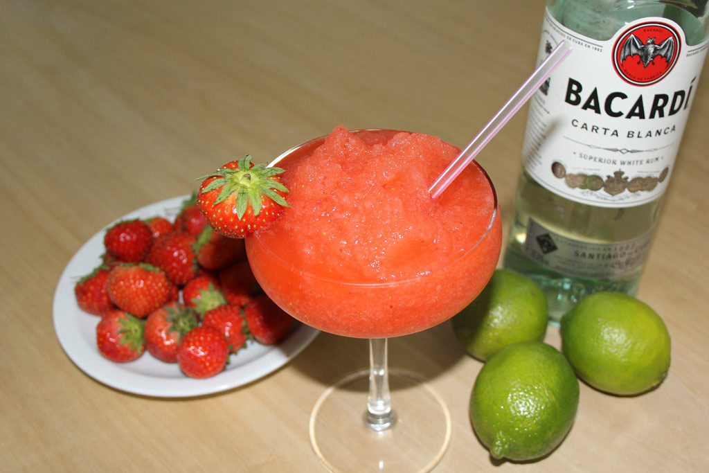 Frozen Strawberry daiquirri een cocktail op basis van aardbeien en rum