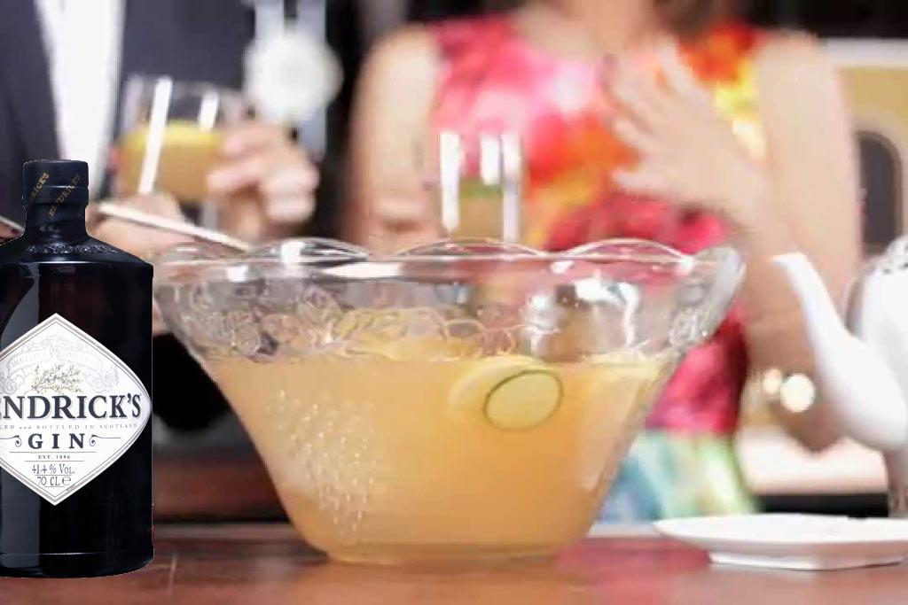 Winter Toe Tickler Punch, de ultieme drank op basis van Hendricks gin, komkommer en limoen.